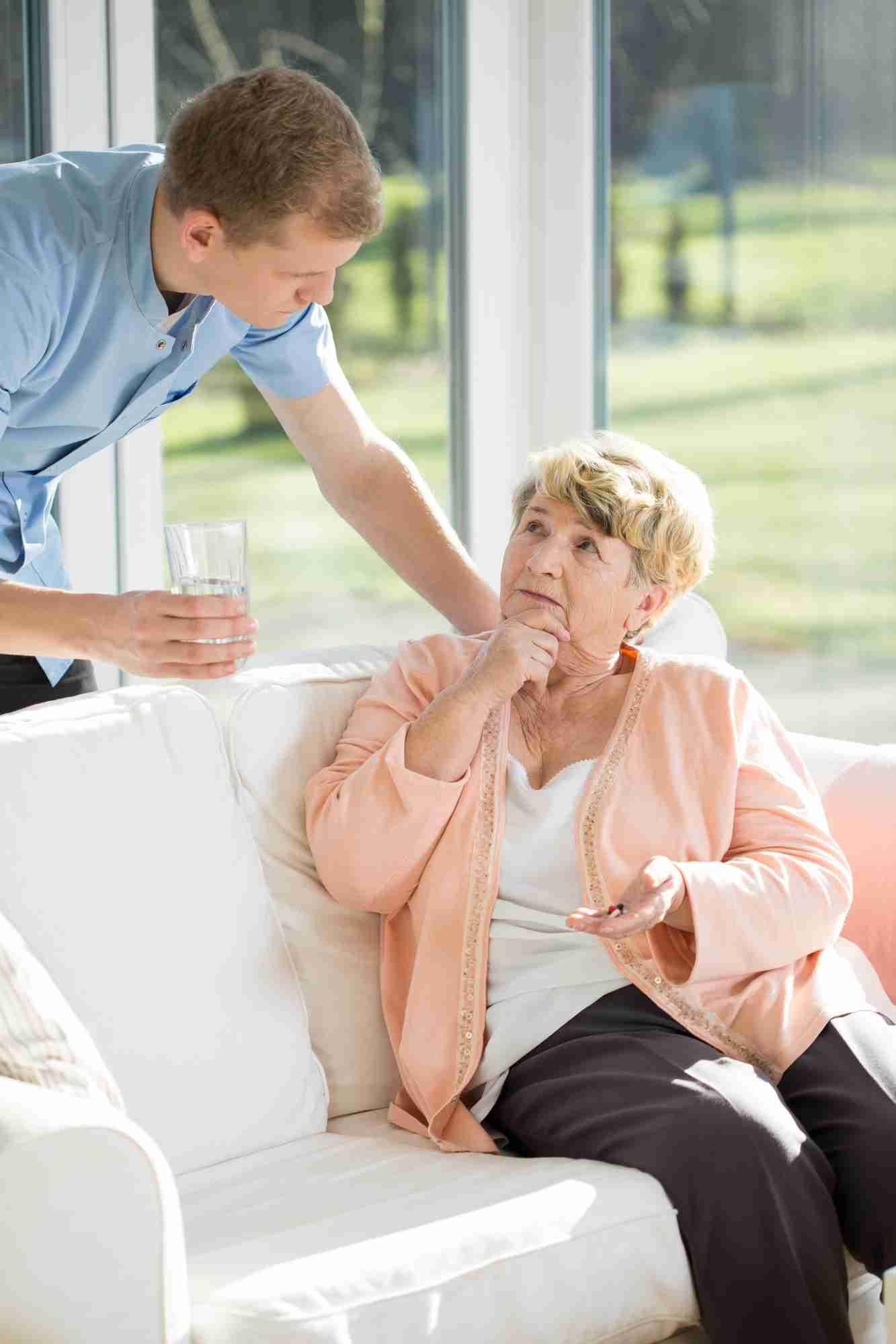Servizi di sollievo cura della persona anziana.