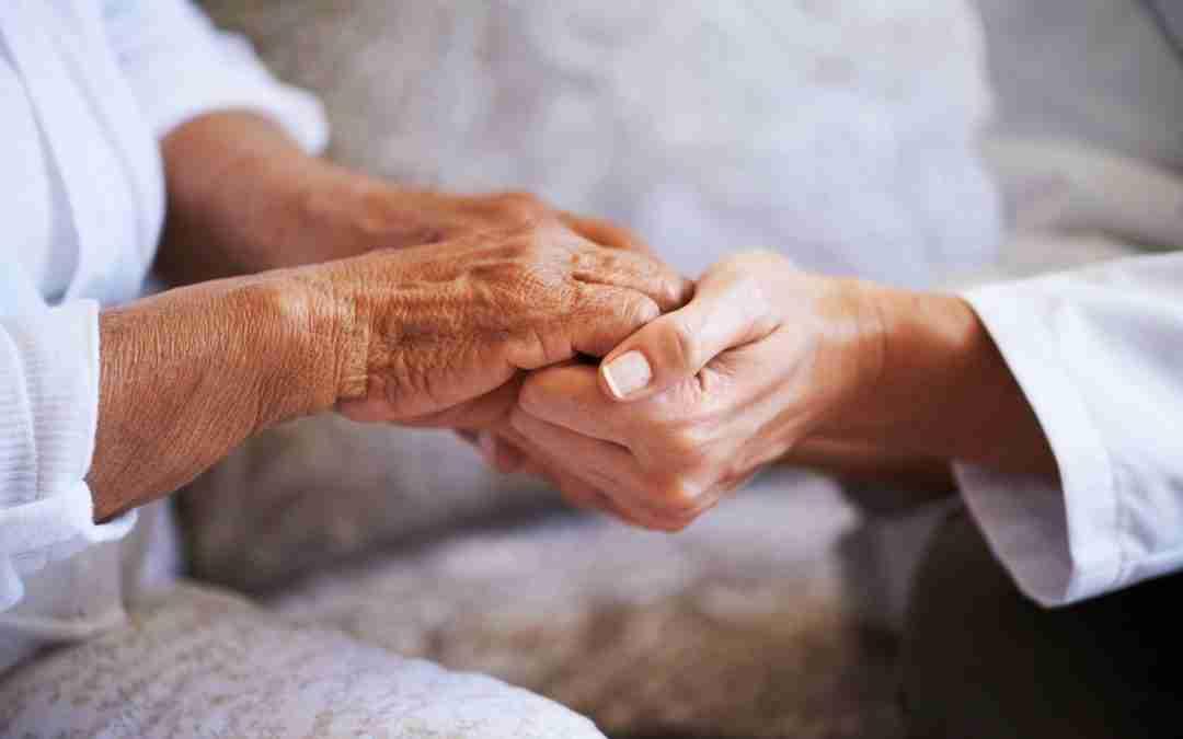 Assistenza anziani a domicilio: come scegliere a chi affidarsi?